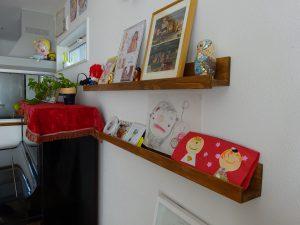 DIYの飾り棚。
